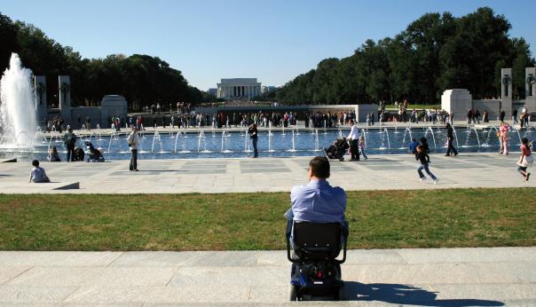 le-manque-dinfrastructures-adaptees-au-deplacement-des-personnes-en-situation-de-handicap-4